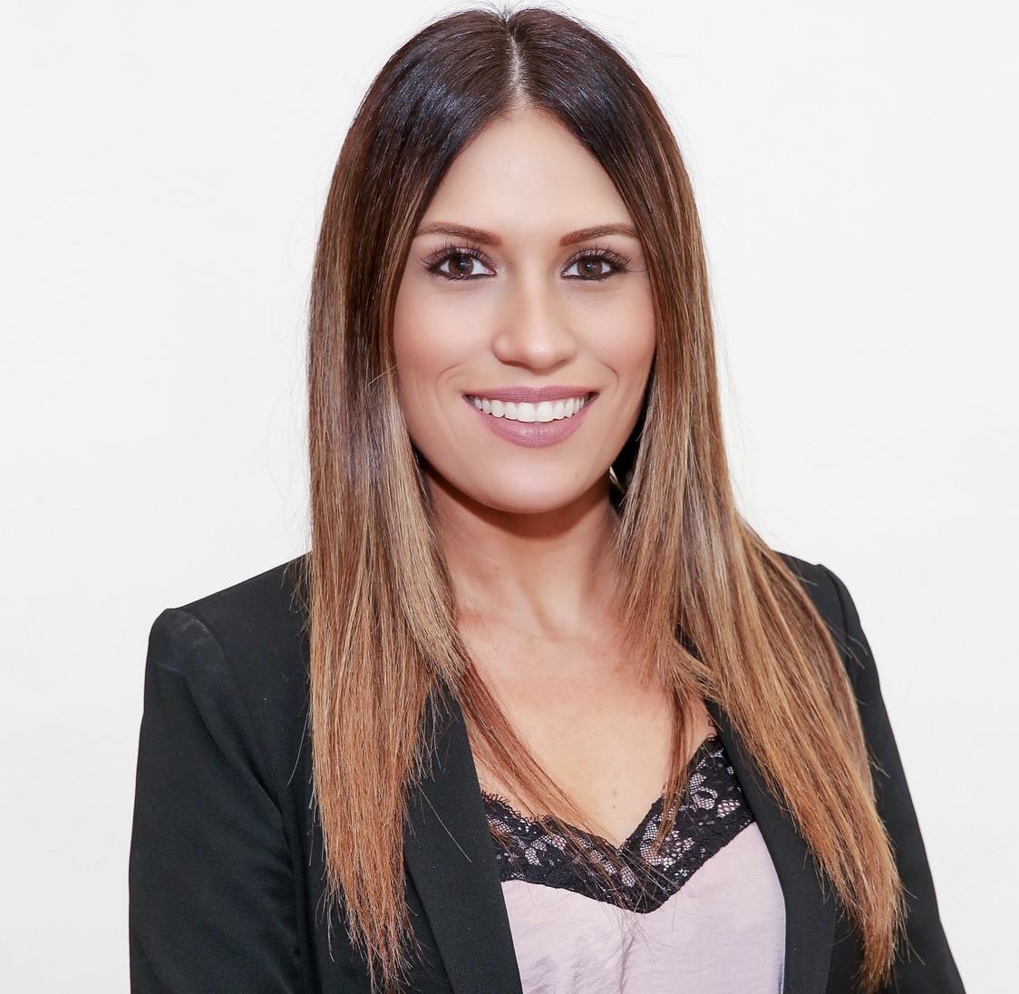Alicia Albano Headshot