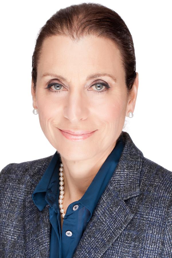 Donna Olshan Headshot